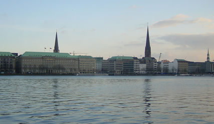Binnenalster - Copyright: Jacob Gerritsen / freeimages